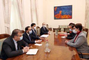 Вице-премьер Тигран Авинян принял представителей МККК