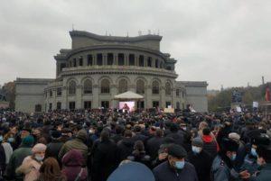 На площади Свободы стартовал митинг инициативы «Движение за спасение Отечества»