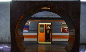 Демонстранты в Ереване остановили движение метрополитена