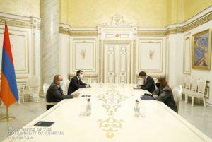 Премьер-министр Пашинян провел встречу с послом США в Армении