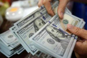 Курс драма по соотношению к доллару США в Армении за месяц вырос на 1,6%, за год – на 4,7%