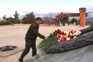 Араик Арутюнян почтил память жертв Арцахской войны