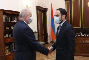 "Армения предлагает провести обмен пленными по принципу ""все в обмен на всех"""