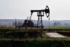 Страны ОПЕК+ договорились оставить в силе ограничения на добычу нефти