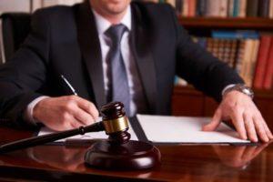 Почему нужно обращаться к юристу?