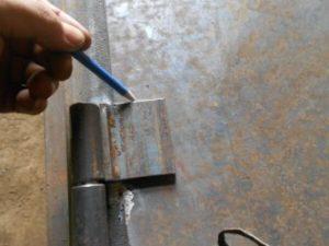 Как приварить точеные петли?