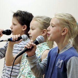 Чему учат в школе вокала?