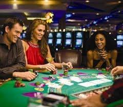 Почему онлайн казино так популярны по всему миру?