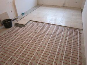 Какой теплый пол под плитку лучше выбрать?